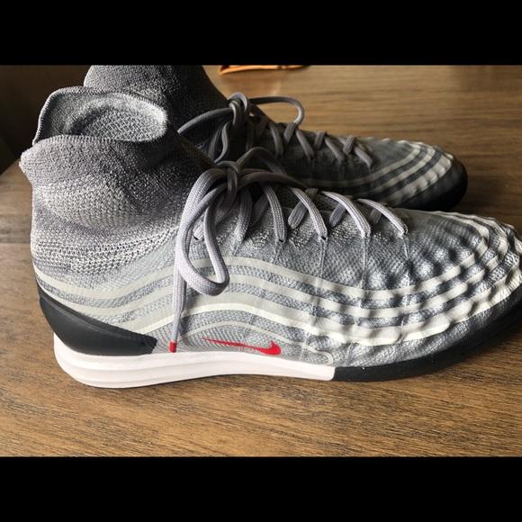 884551200 Nike Magista silver bullet indoor soccer shoes. M 5c562fd5fe515199fd301cd0